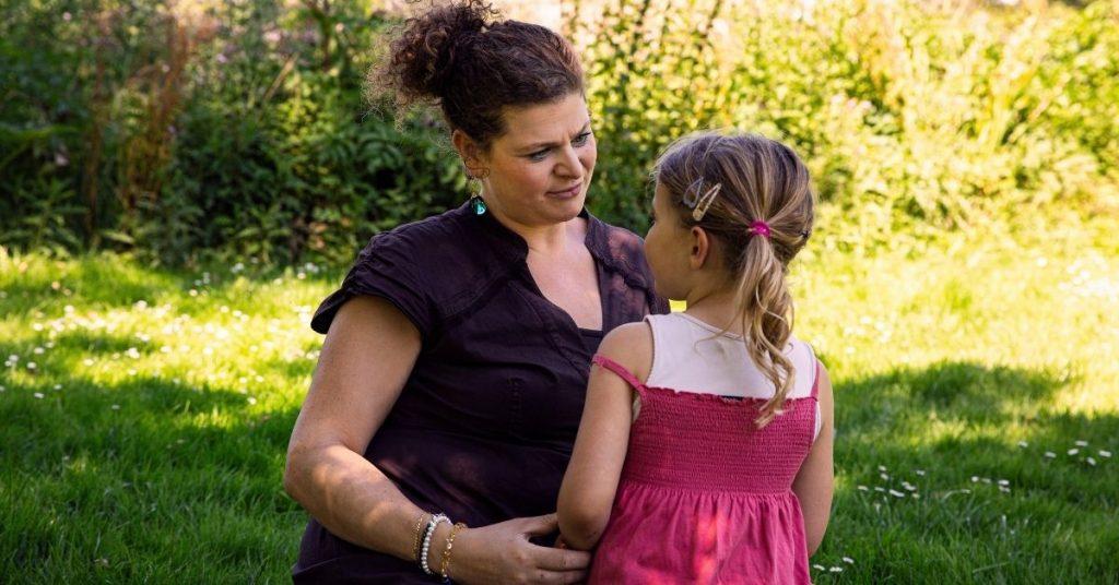 Naomi met haar dochter